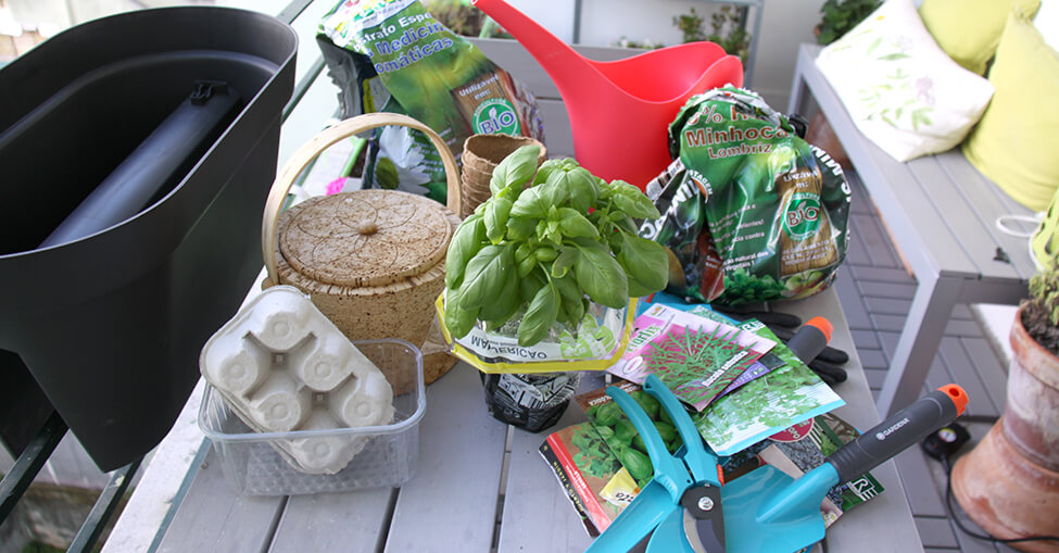 Materiais e plantas para criar um jardim na varanda ou terraço